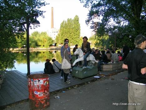 Bar 25 Berlin richtung kiki Blofeld