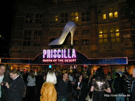 priscilla-queen-of-the-desert-musical
