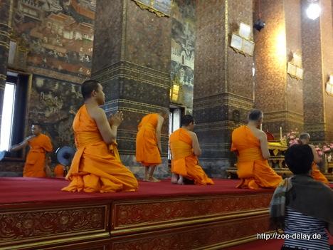 wat pho bangkok mönche