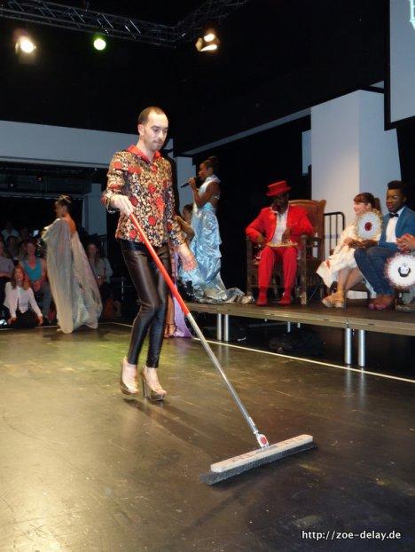 vogue stage kitten in heels